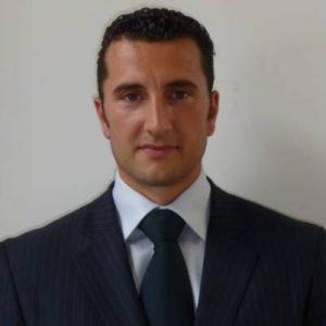 Julien ROBINET, directeur du centre de remise en forme par l'électrostimulation NEW TRAINING